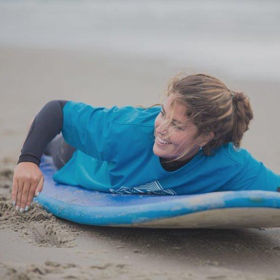water activiteiten Raften, kajakken, suppen of golfsurfen. Lekker spelen in branding tussen de golven met een Vrijgezellenfeest, bedrijfsuitje, familie-uitje of teamuitje doe je tussen Scheveningen en Hoek van Holland, in de regio Zuid-Holland op het strand van 's-Gravenzande bij WATO-Events.